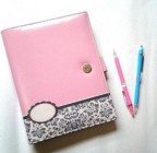 Binder Pink Abstrak